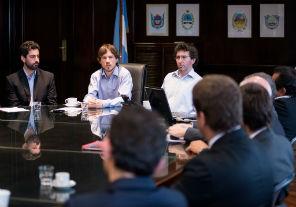 Costa: reflejar la baja de insumos en los precios finales