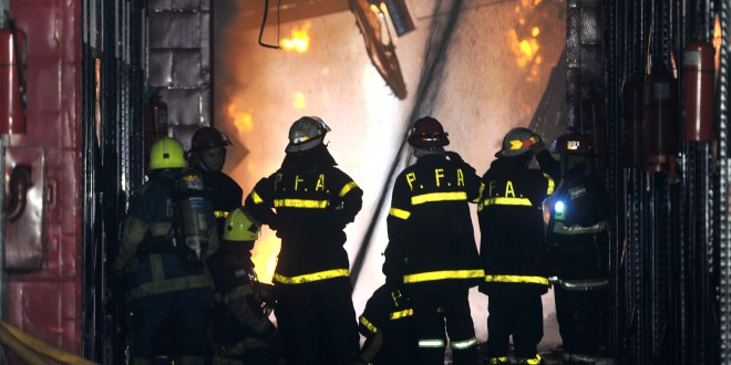 Fallecen bomberos y personal de Defensa Civil en el incendio en Barracas