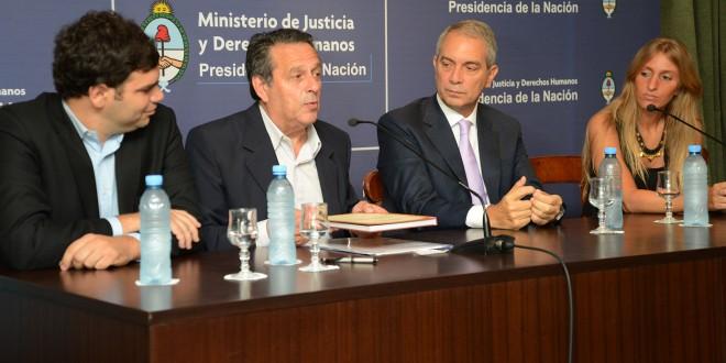 Acuerdo entre el ministerio de Justicia y la Defensoría del Pueblo bonaerense