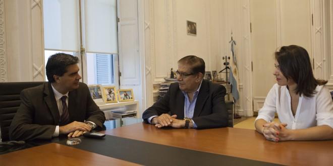 Capitanich se reunió con los senadores Guillermo Pereyra y Lucila Crexell