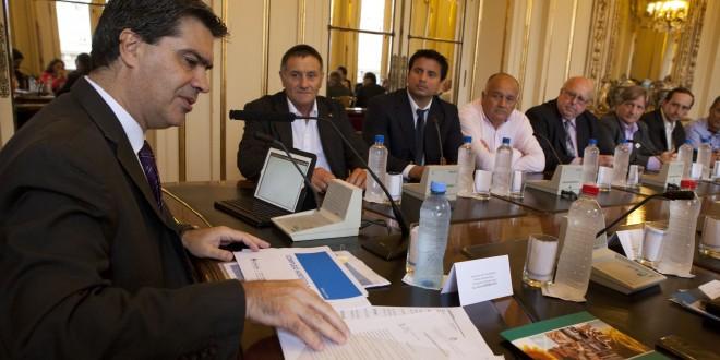 El jefe de Gabinete se reunió con representantes del sector yerbatero y hortícola