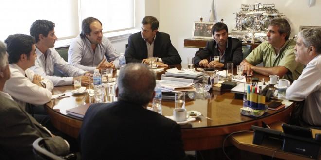 De Vido se reunió con intendentes para analizar plan de obras para el 2014