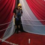 Fotos: Velan el cadáver de un boxeador vestido y parado sobre un ring