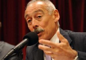 José Sbatella continuará al frente de la UIF
