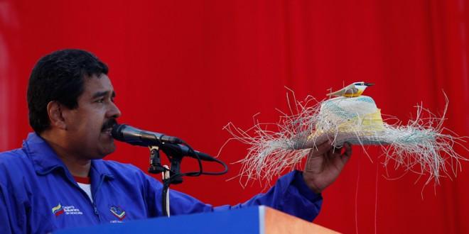 Nuevos delirios de Maduro : La oposición venezolana planea usar 'perros bomba'