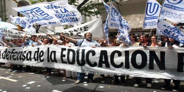 El Gobierno vuelve a convocar a los cinco gremios docentes