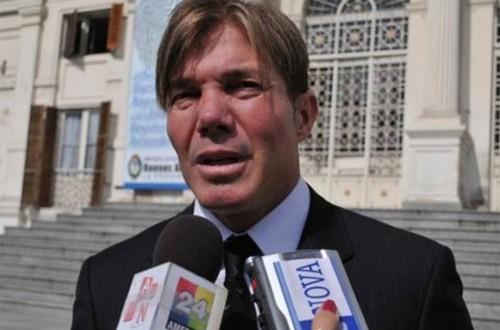 Internaron de urgencia a Fernando Burlando