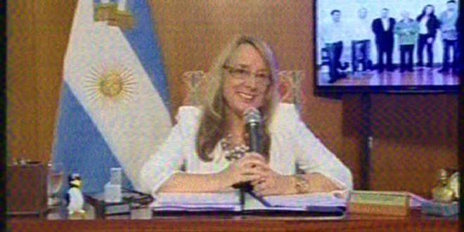 """Alicia Kirchner dijo que el trabajo """"es la mejor forma de seguir recuperando la dignidad"""""""