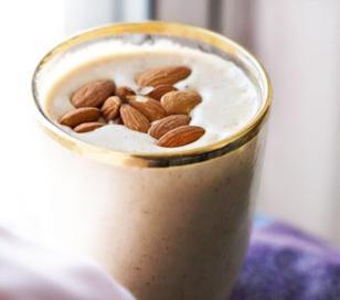Como combatir la obesidad con yogur, té verde y almendras
