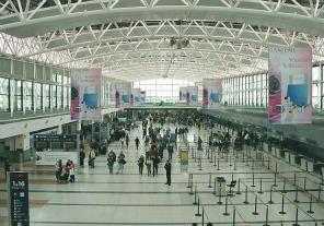 Personal del aeropuerto de Ezeiza se vacunará contra el sarampión y la rubéola
