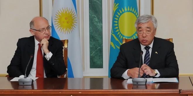Timerman se reunió con el canciller de Kazajstán