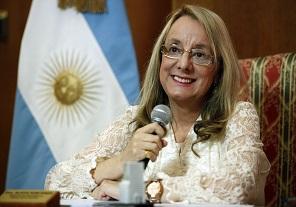 Alicia Kirchner inauguró una capilla construida por cooperativistas en San Miguel