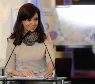Cristina anunció una moratoria para los que deben aportes
