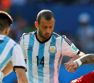 """Mascherano : """"Pasamos a octavos y estamos viendo un Mundial parejo"""""""