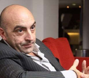 """Tomás Bulat: """"El país entrará en default este lunes"""""""