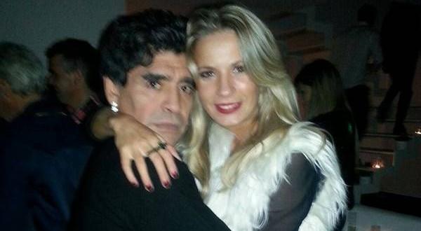 Eva Amodeo la nueva novia de Maradona?