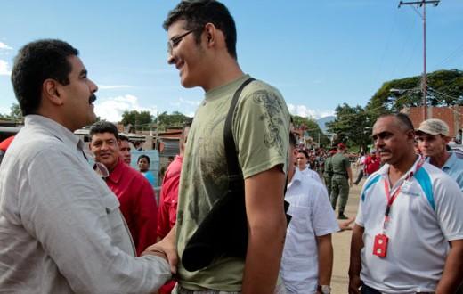 Así vive el hombre más alto de Venezuela