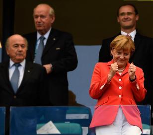 """Merkel: """"Fue un partido histórico"""""""