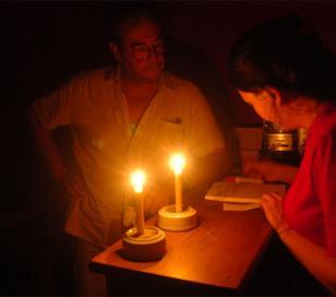 Continúan los cortes de luz: Las quejas de los vecinos no terminan
