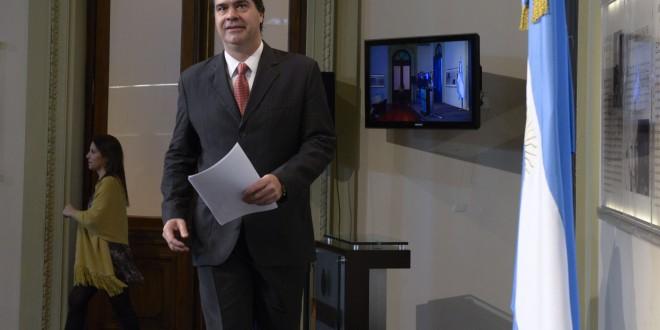 """Capitanich denunció """"ataques especulativos permanentes"""" de los fondos buitre"""