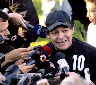 """Maradona: """"Le daría el manejo absoluto del fútbol a Menotti"""""""