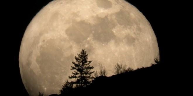 Este domingo se viene la súper Luna 30% más brillante