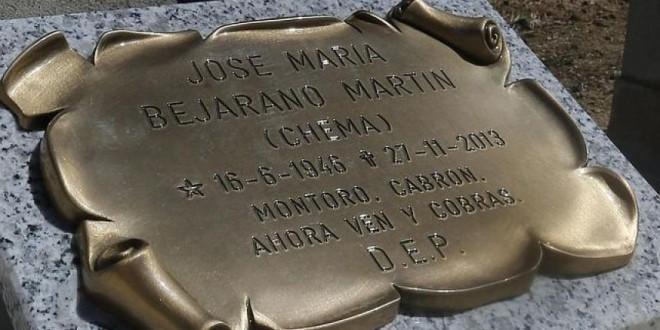 Murió y le dedicó el epitafio de su tumba al ministro de Hacienda
