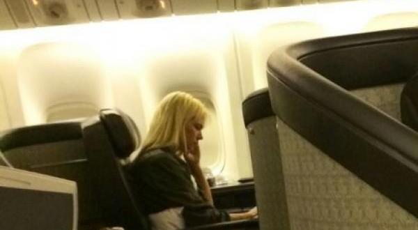 Escrachan a Valeria Mazza en el vuelo que la traía de Miami