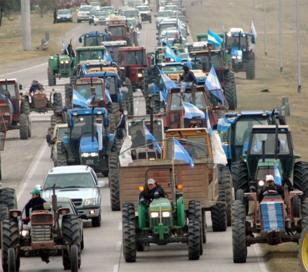 """Buzzi anuncia """"tractorazo"""" de productores rurales"""