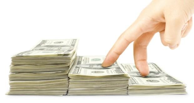 """Más regulaciones para controlar el dólar """"contado con liqui"""""""
