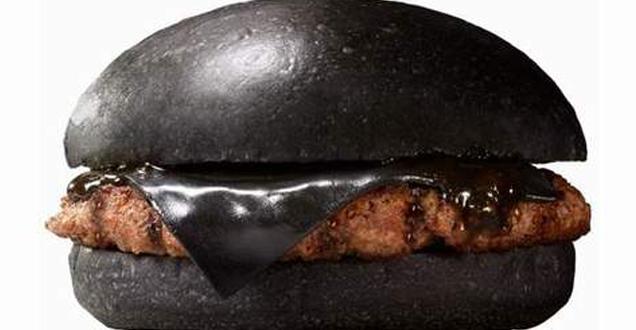 Burger King lanza hamburguesas negras con queso de carbón