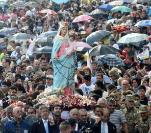 Miles de peregrinos para honrar a la Virgen del Rosario de San Nicolás