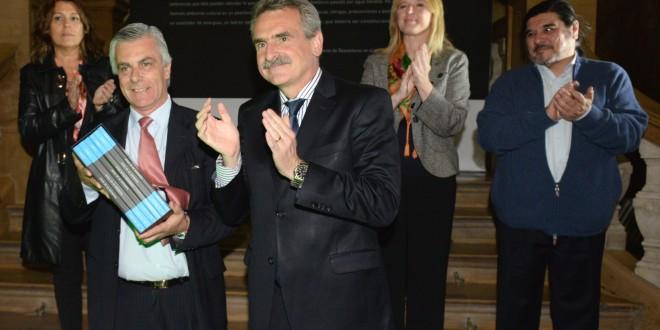 Rossi entregó las actas de la dictadura en la Secretaría de DD.HH. bonaerense