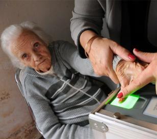 Los mayores de 75 años no deberán tramitar el nuevo DNI