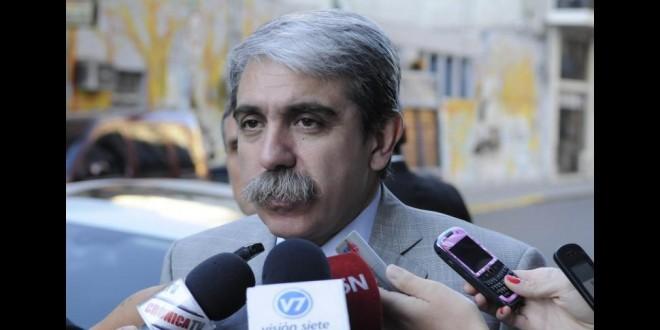 """Aníbal Fernández: """"Scioli no es el candidato del FpV"""""""