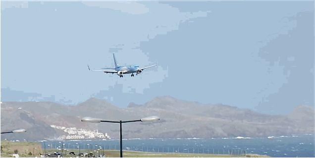 Video: Espectacular maniobra del piloto justo antes de aterrizar
