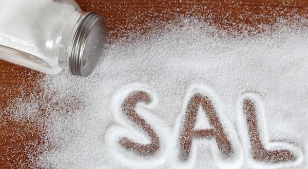 Convenio para reducir la sal en los alimentos