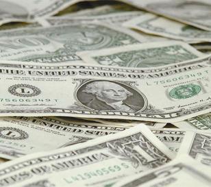 """El dólar """"blue"""" cierra la semana cayendo a $13,10"""