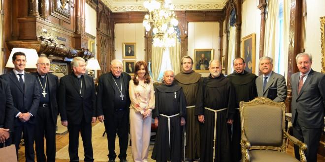 Cristina anunció a la cúpula de la Iglesia Católica importantes obras de puesta en valor de varios templos