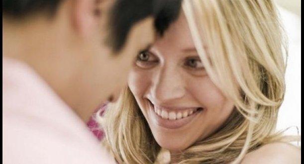 Los errores más comunes de las mujeres al presumirle a un hombre