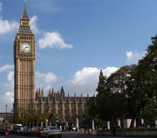 Londres busca albañiles y les paga 1200 euros a la semana