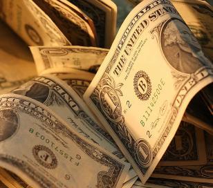 El dólar paralelo sumó hoy 20 centavos a $13,40