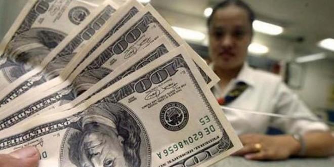 El dólar ilegal volvió a superar los 14 pesos