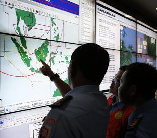 Detectan la caja negra del vuelo AirAsia