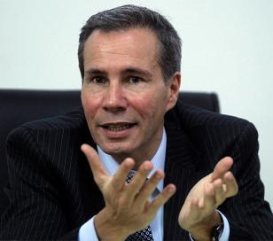 Buscan prueba clave en la notebook de hija de Nisman