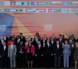"""Presidentes de la Celac dan apoyo por Malvinas y """"buitres"""""""