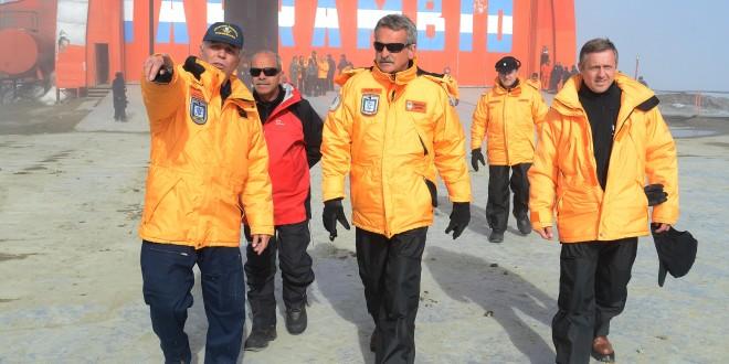 """Rossi: """"La presencia en la Antártida es un ejercicio de soberanía"""""""