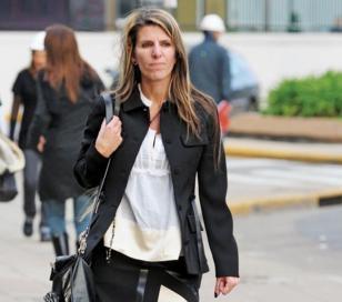 La ex mujer de Nisman recibió foto con marca que simulaba disparo