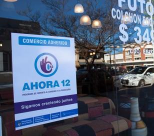 """Comerciantes piden que siga """"Ahora 12"""""""