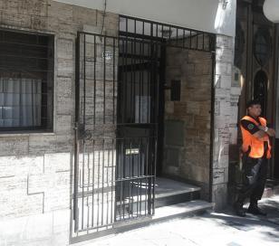 Madre e hija fueron encontradas muertas en un edificio de la calle Constitución 1734